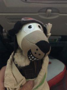 機内でもらったおもちゃ